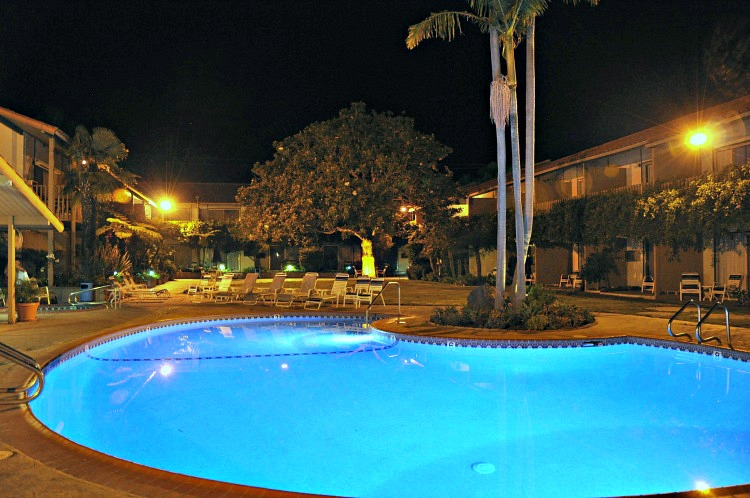 Pool at the Best Western Peppertree Inn