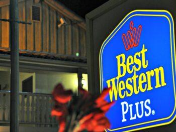 Best Western Plus Peppertree In lit hotel sign