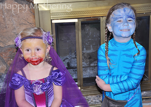 Zoe as Avatar and Kaylee as a Zombie Princess