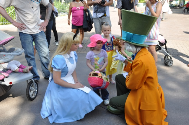 Alice Introduced Zoë to the Mad Hatter - She Wasn't Sure What to Think About Him