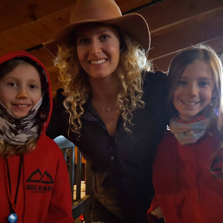 Zoe and Kaylee with Lindsey Jacobellis