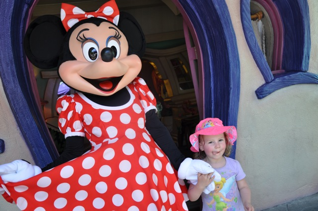 Zoë Meeting Minnie Mouse - She Was So Excited!