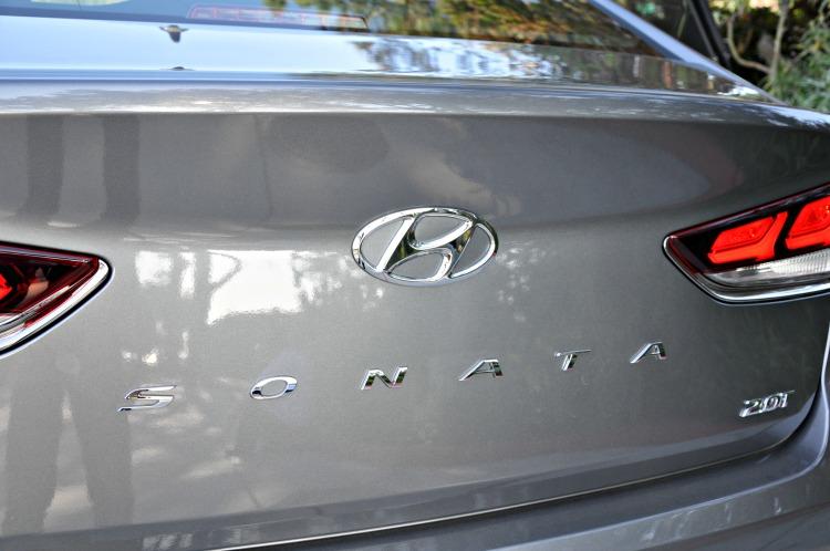 Hyundai Sonata trunk