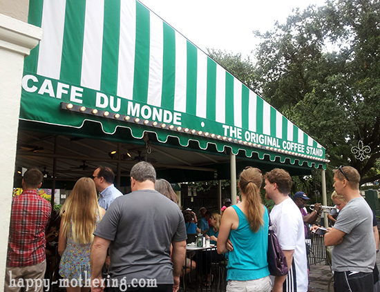 Cafe du Monde in New Orleans, LA