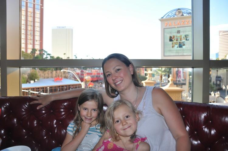 Chrystal, Zoë and Kaylee at Buddy V's Ristorante in Las Vegas, NV