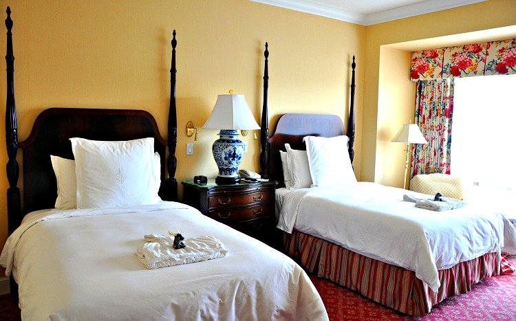Double beds at the Four Seasons Westlake Village