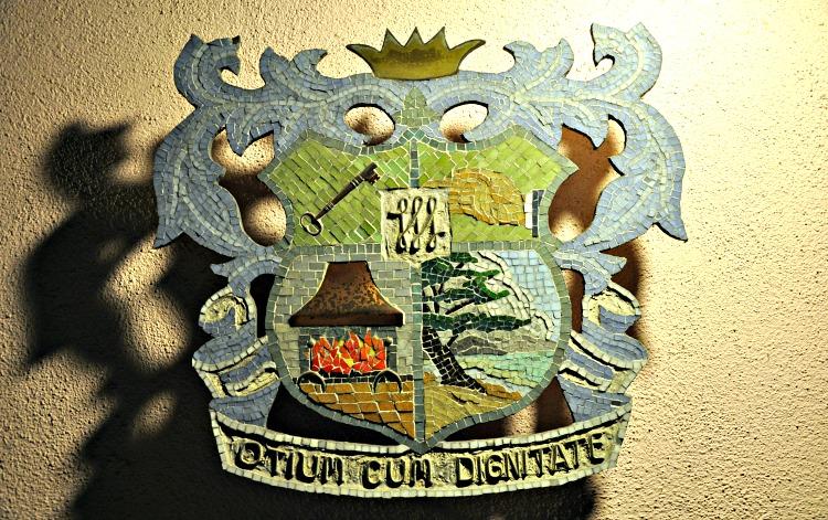 Hofsas House crest