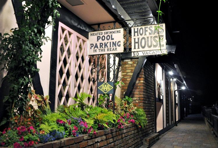 Vacancy sign at Hofsas House in Carmel, CA