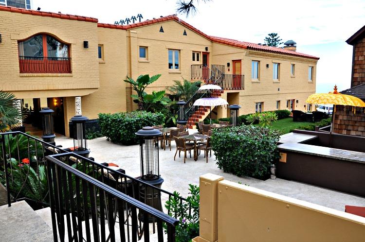 Full view of the courtyard at the Pantai Inn in La Jolla, CA