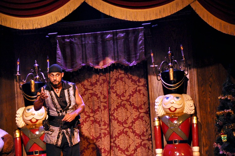 Pirate's Dinner narrator on stage