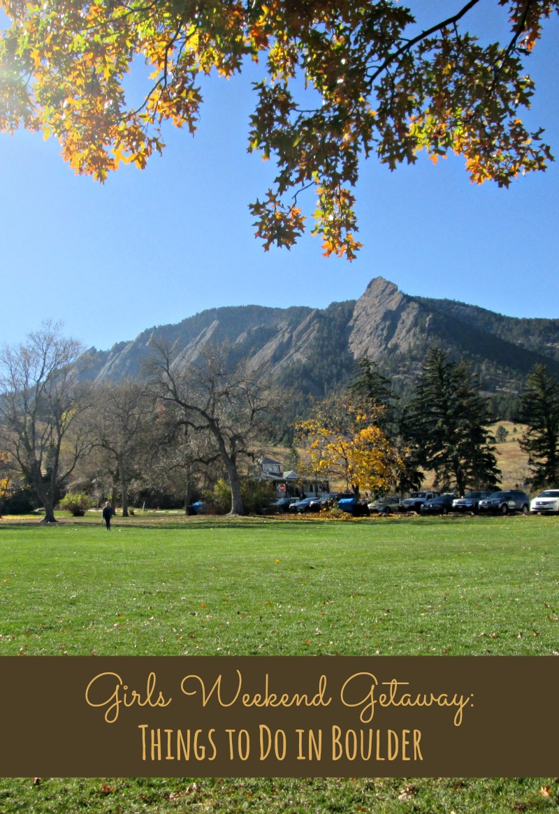 Mountains and grass in Boulder, CO
