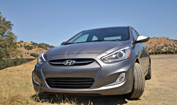 Front of the Hyundai Accent GLS