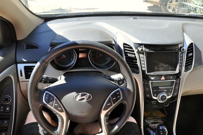 Hyundai Elantra GT steering wheel