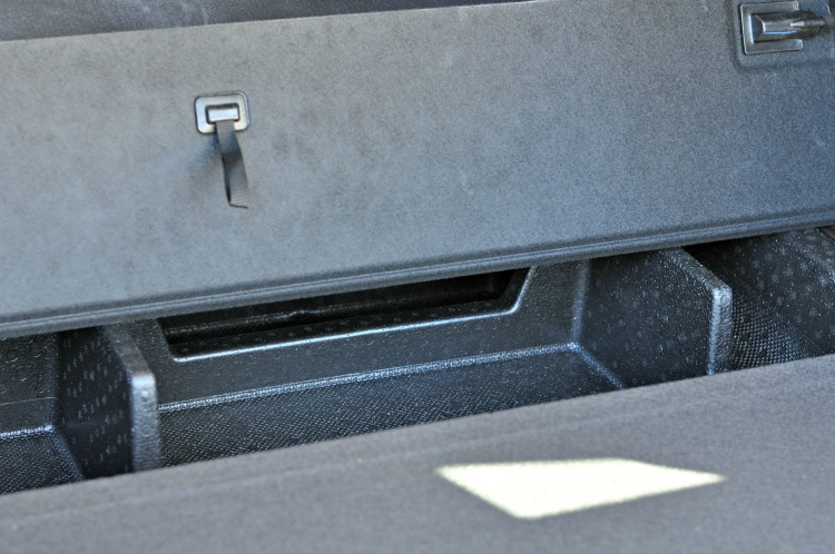 Hidden compartment in the Hyundai Santa Fe Sport