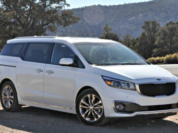 Kia Sedona in the mountains