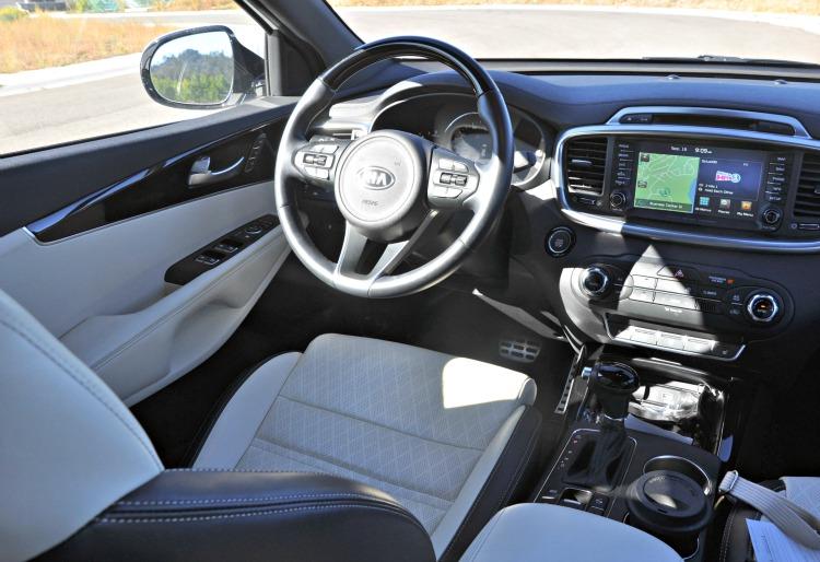 Front seat of the Kia Sorento
