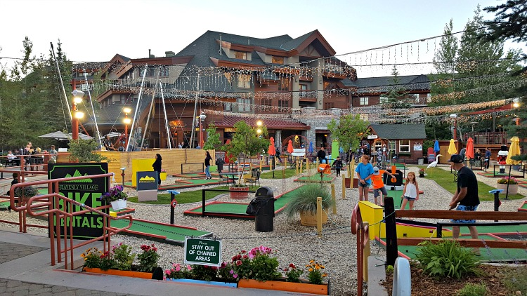 Fun activities at the shopping center in Tahoe South